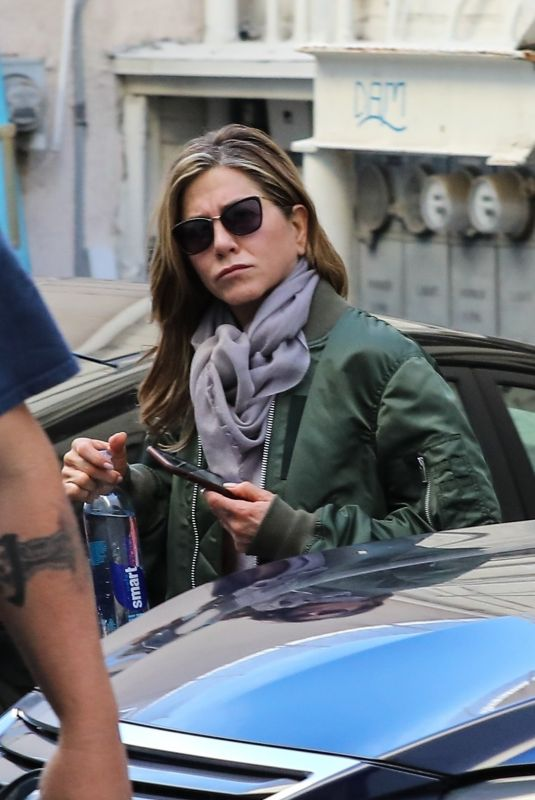 JENNIFER ANISTON Leaves Skin Care and Nail Salon in Beverly Hills 01/19/2019