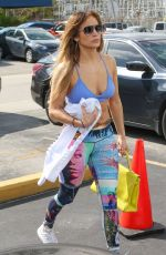 JENNIFER LOPEZ in Tights Arrives at a Gym in Miami 01/24/2019