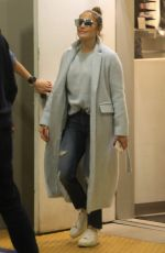 JENNIFER LOPEZ Shopping at Tom Ford in Beverly Hills 12/31/2018