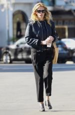 JULIA BROEBRTS Out and About in Calabasas 01/25/2019