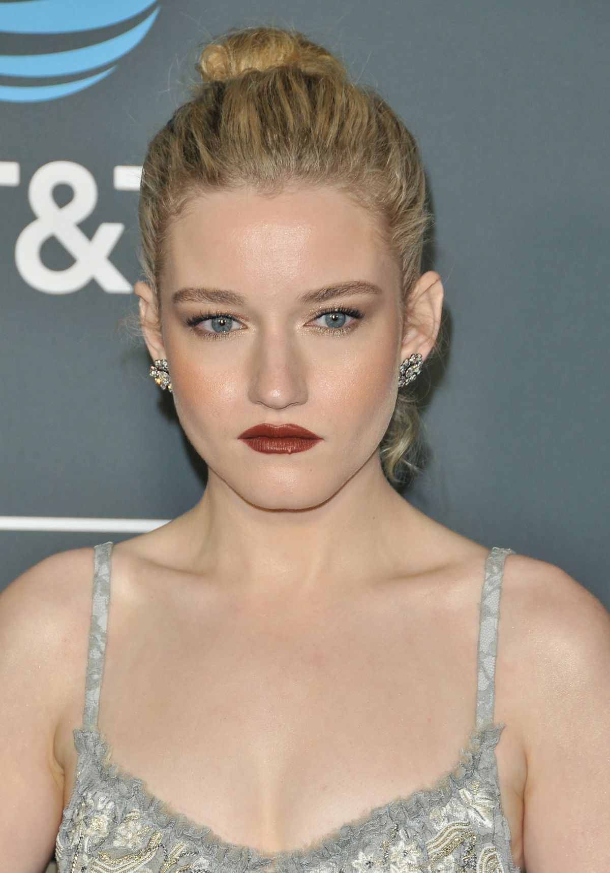 Julia Garner See Through 13 Photos: JULIA GARNER At 2019 Critics' Choice Awards In Santa