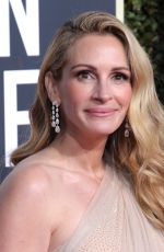 JULIA ROBERTS at 2019 Golden Globe Awards in Beverly Hills 01/06/2019