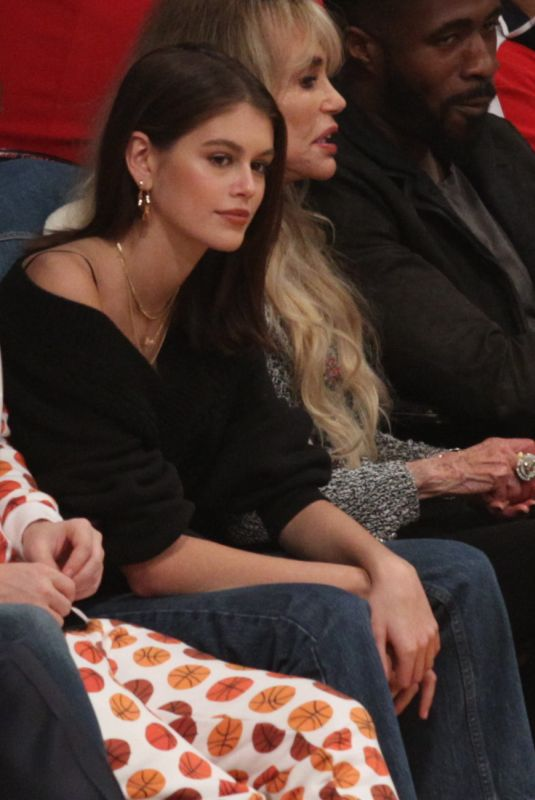 KAIA GERBER at LA Lakers vs Detroit Pistons Game in Los Angeles 01/09/2019