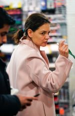 KATIE HOLMES Out Shopping in New York 01/15/2019