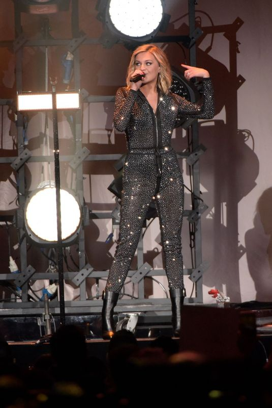KELSEA BALLERINI Performs at Meaning of Life Tour in Los Angeles 01/26/2019