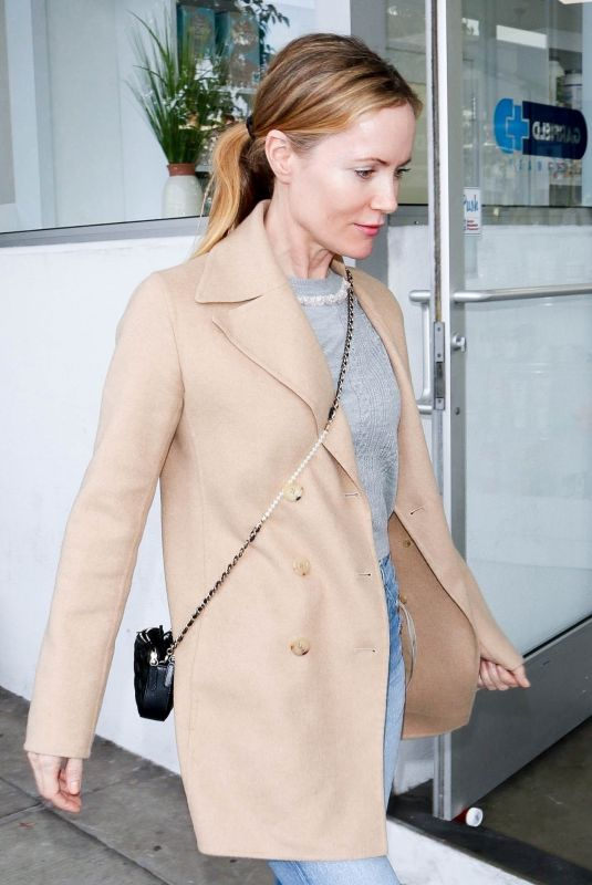LESLIE MANN Out and About in Beverly Hills 01/11/2019