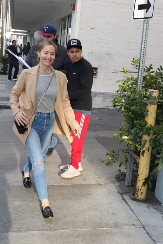 LESLIE MANN Out Shopping in Beverly Hills 01/11/2019