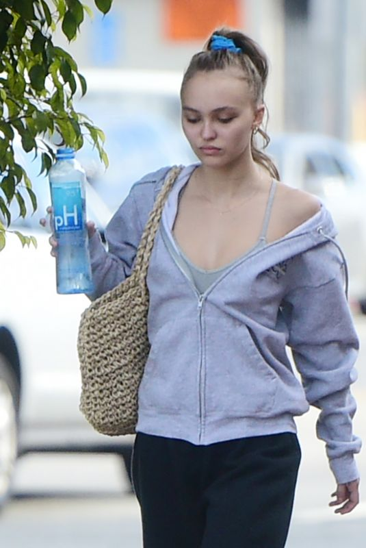 LILY-ROSE DEPP Heading to a Gym in Los Angeles 01/09/2019