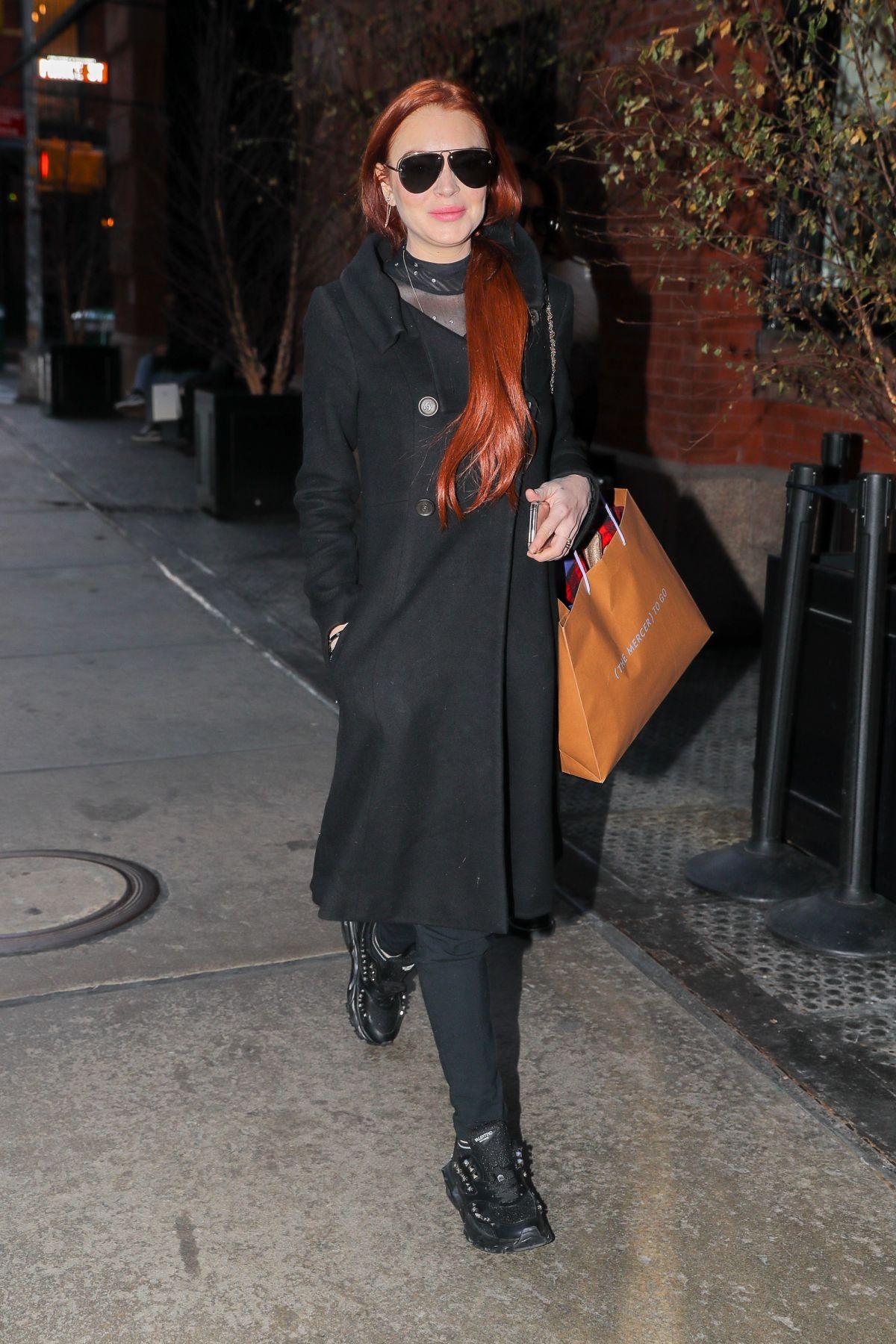 Lindsay Lohan uit de kleren op Instagram3/1/2019 - YouTube