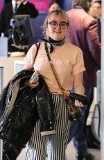 MAISIE WILLIAMS at LAX Airport in Los Angeles 01/28/2019