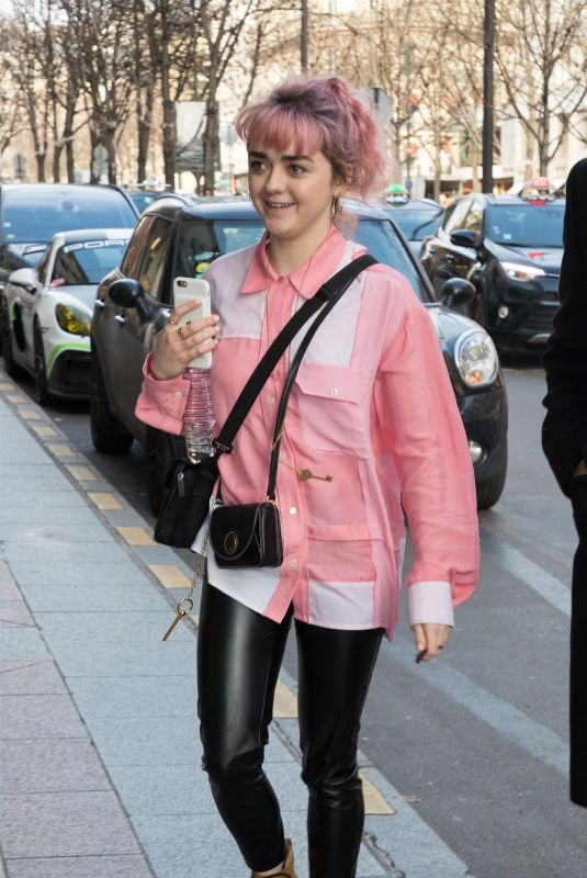 MAISIE WILLIAMS Out and About in Paris 01/16/2019