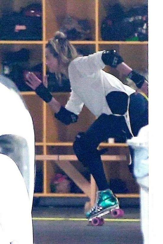 MARGOT ROBBIE Roller Skating in Los Angeles 01/13/2019