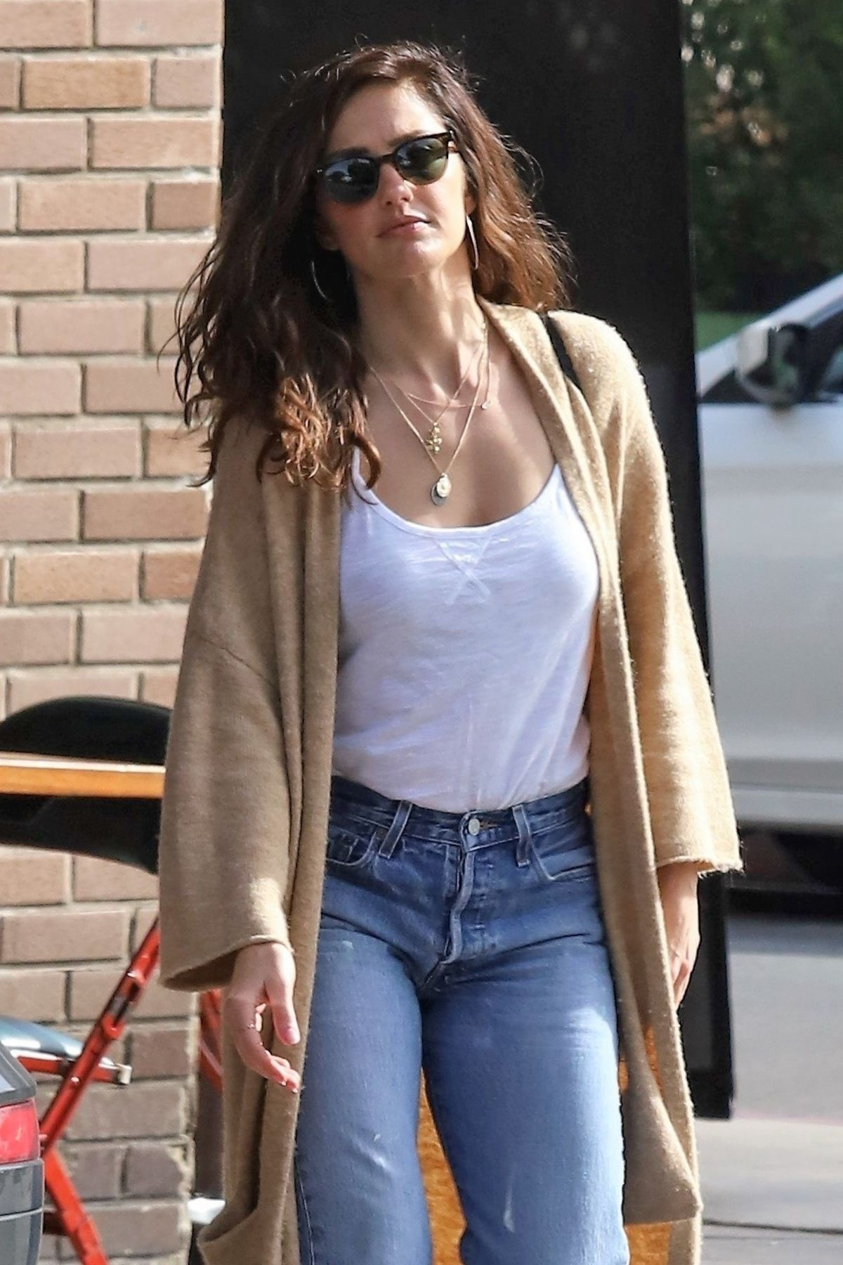 MINKA KELLY Out and About in Los Feliz 01/22/2019 – HawtCelebs