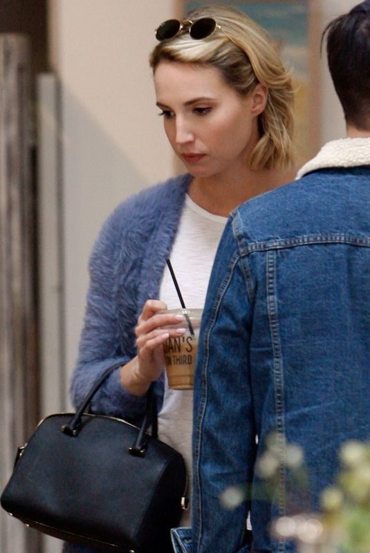 MOLLY MCCOOK Shopping for Home Decor in Los Angeles 01/29/2019