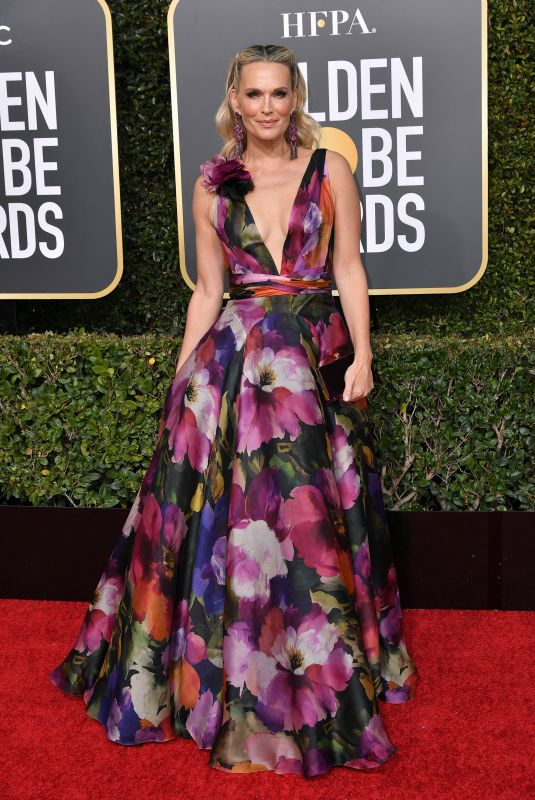 MOLLY SIMS at 2019 Golden Globe Awards in Beverly Hills 01/06/2019