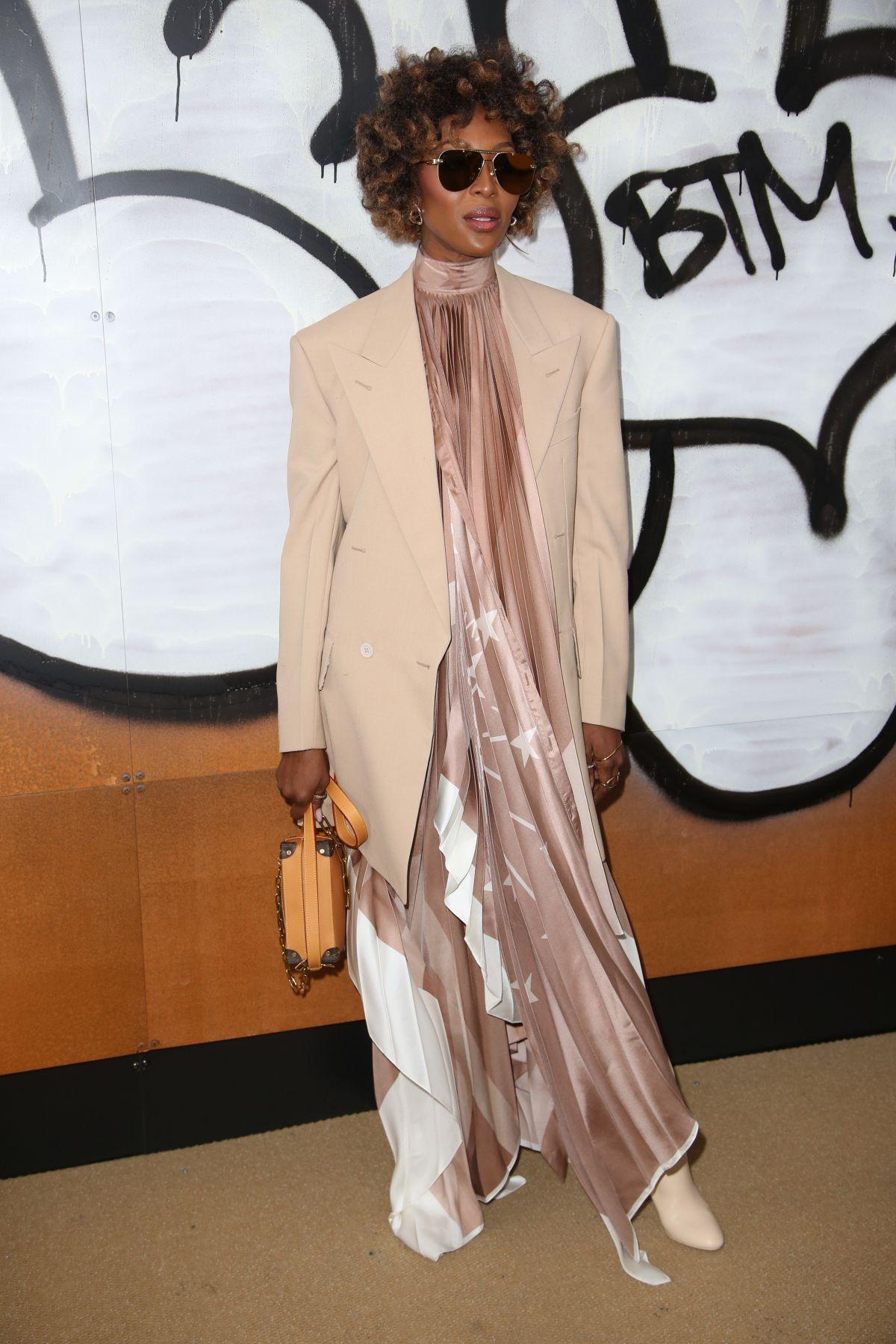 Naomi Campbell At Louis Vuitton Show At Paris Fashion Week 01 17