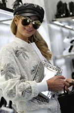 PARIS HILTON Shopping at Philipp Plein in Milan 01/11/2019