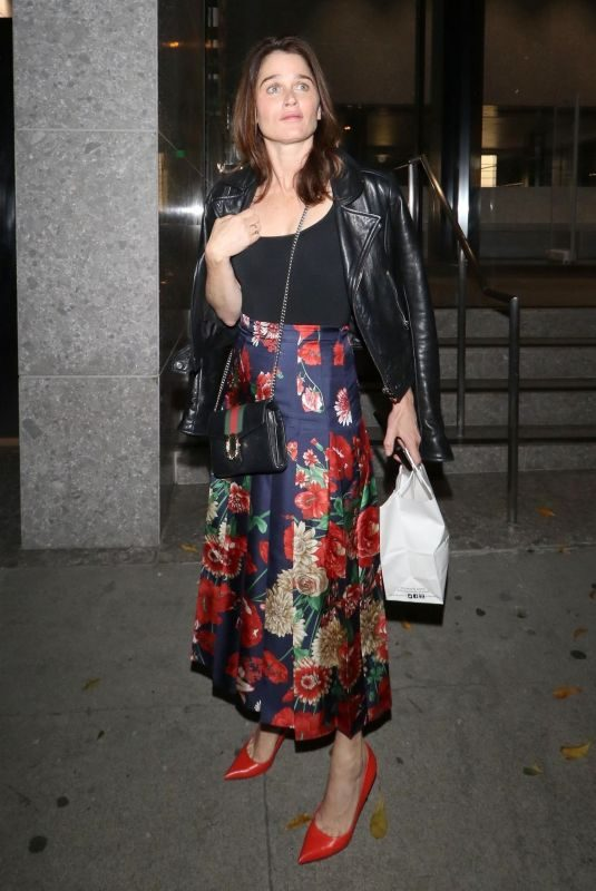 ROBIN TUNNEY Leaves Craig's Restaurant in West Hollywood 01/29/2019