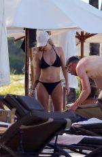UNAHEALY in Bikini on Vacation in Mauritius 01/26/2019