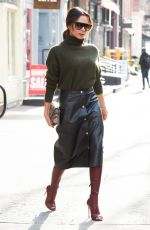 VICTORIA BECKHAM Out Shopping in New York 01/25/2019