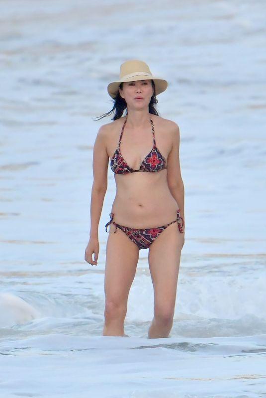 Wendi Deng Murdoch Bikini Nude Photos 69