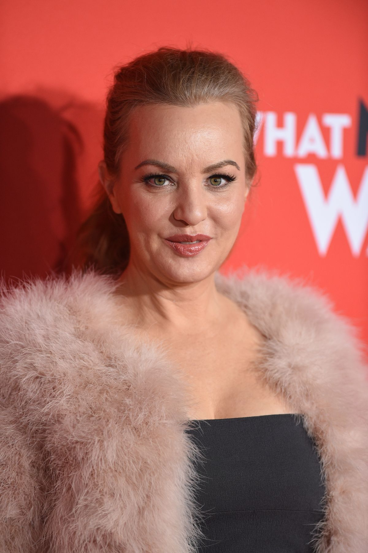 Wendi Mclendon Covey At What Men Want Premiere In Los Angeles 0128