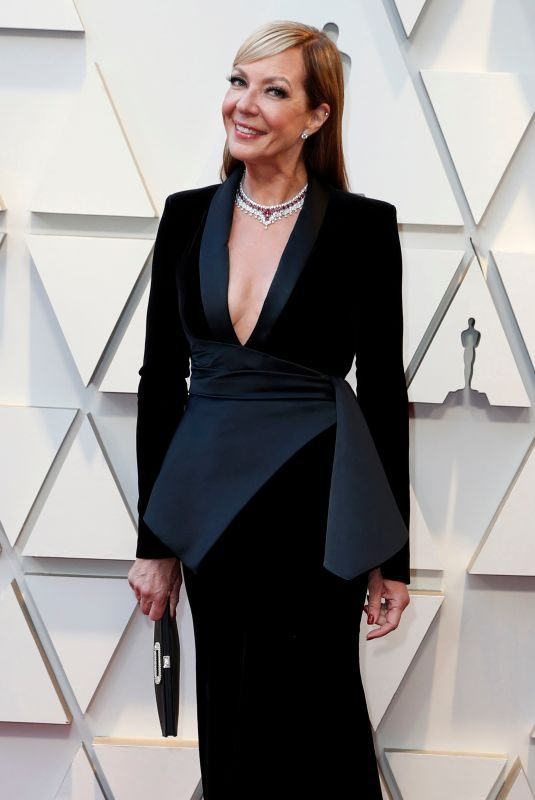 ALLISON JANNEY at Oscars 2019 in Los Angeles 02/24/2019