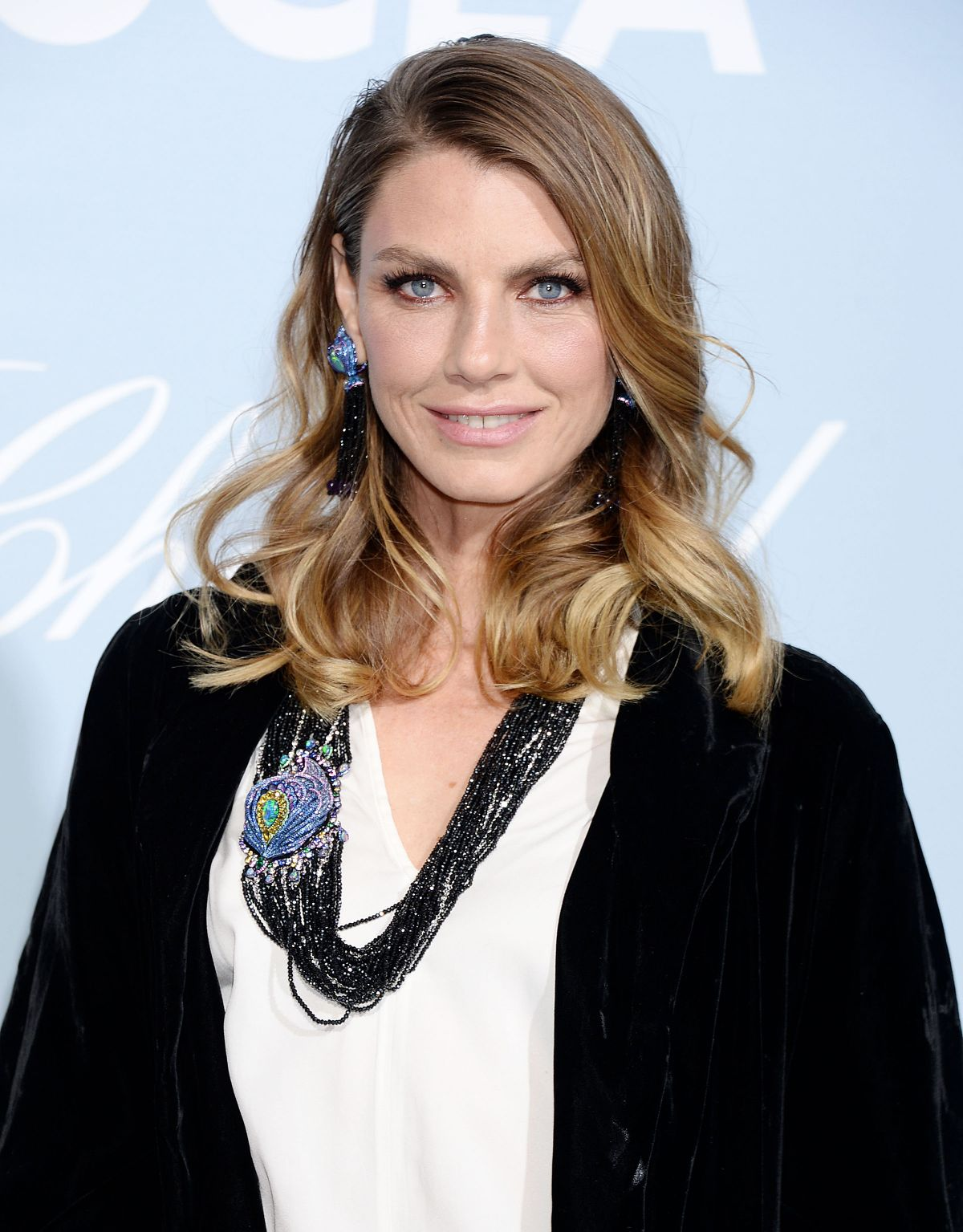 Communication on this topic: Caryn Richman, angela-lindvall/