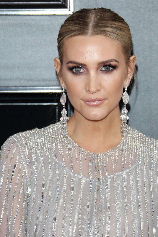 ASHLEE SIMPSON at 61st Annual Grammy Awards in Los Angeles 02/10/2019