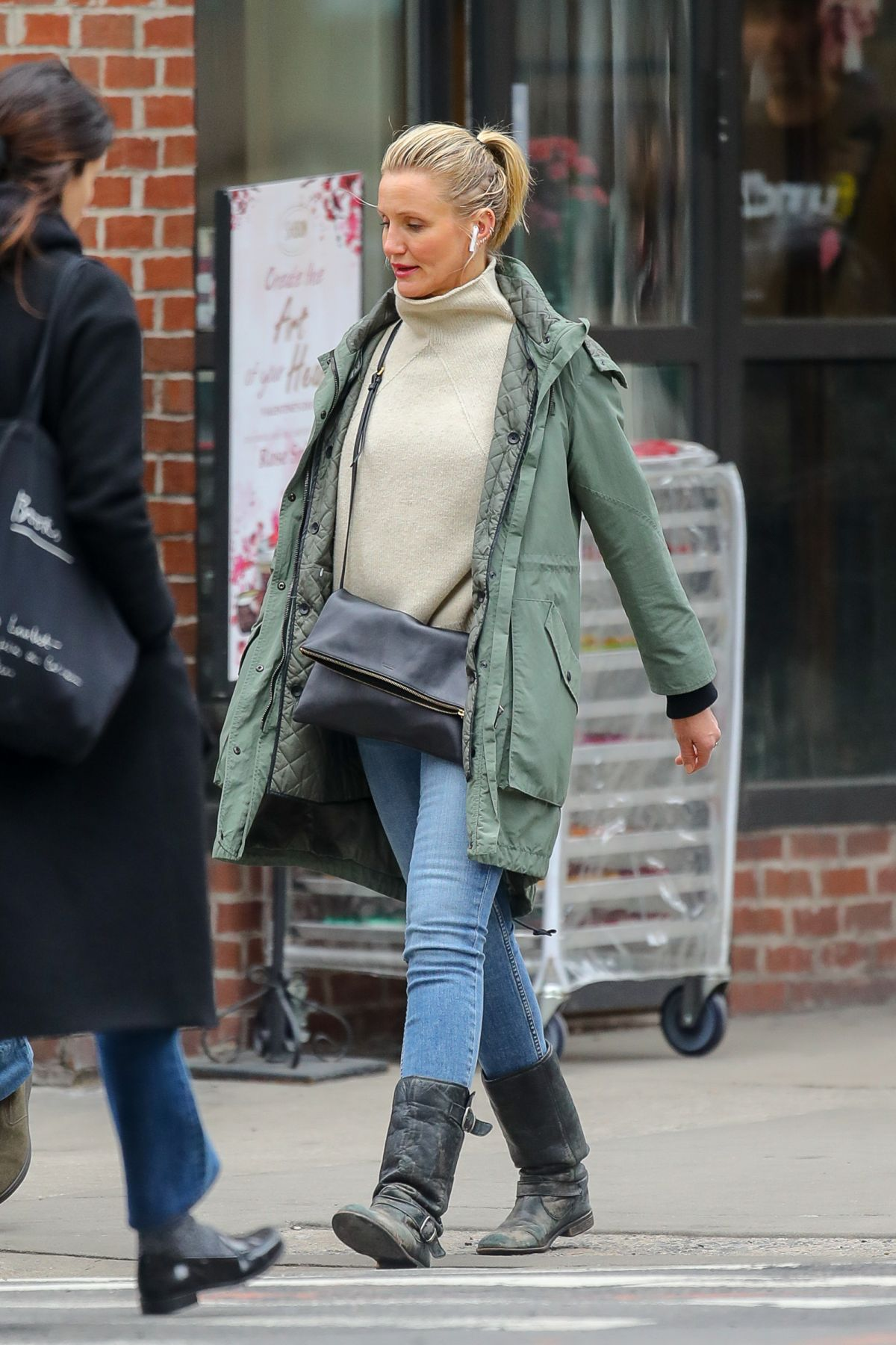 CAMERON DIAZ Out and About in New York 02/15/2019 – HawtCelebs