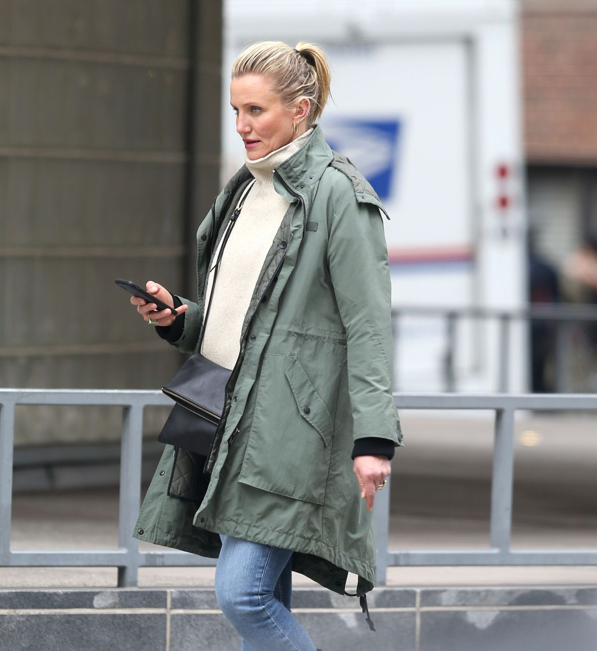 CAMERON DIAZ Out Shopping in New York 02/15/2019 – HawtCelebs