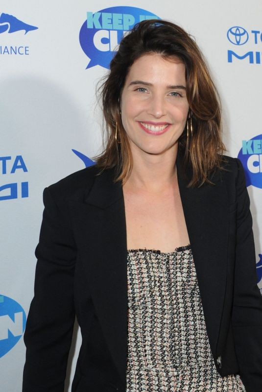 COBIE SMULDERS at Keep it Clean Live Comedy to Benefit Waterkeeper Alliance in Los Angeles 02/21/2019