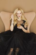 FEARNE COTTON for Dulux Color of the Year 2019
