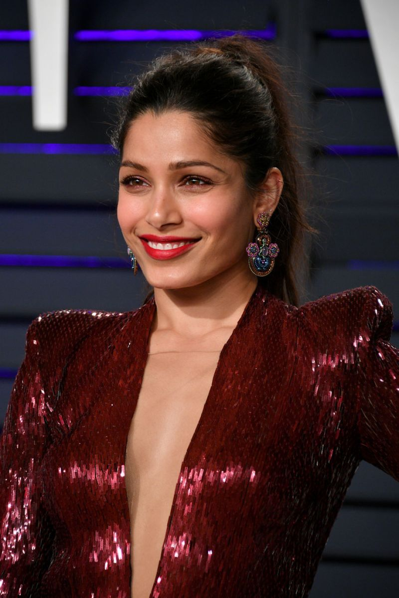 FREIDA PINTO at Vanity Fair Oscar Party in Beverly Hills ...
