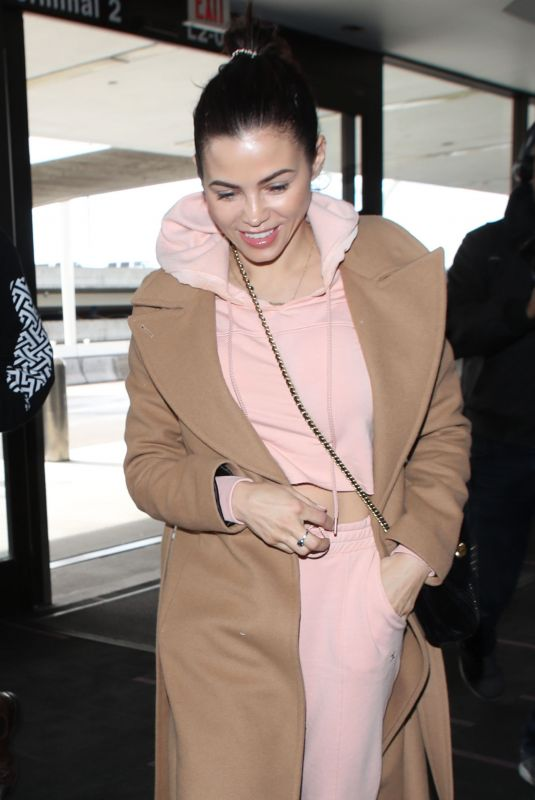 JENNA DEWAN Arrives at LAX Airport in Los Angeles 02/05/2019