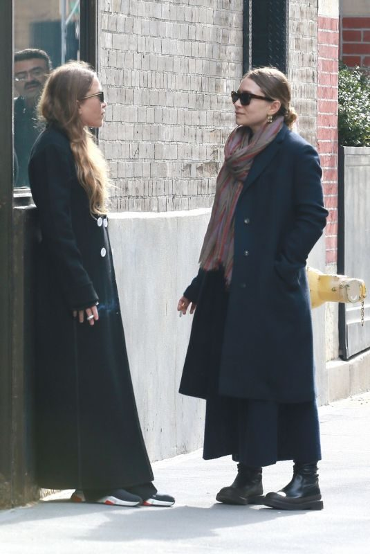 MARY_KATE and ASHLEY OLSEN at Their Office in New York 02/06/2019