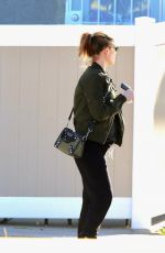 Pregnant KATE MARA Out for lunch in Los Angeles 02/06/2019
