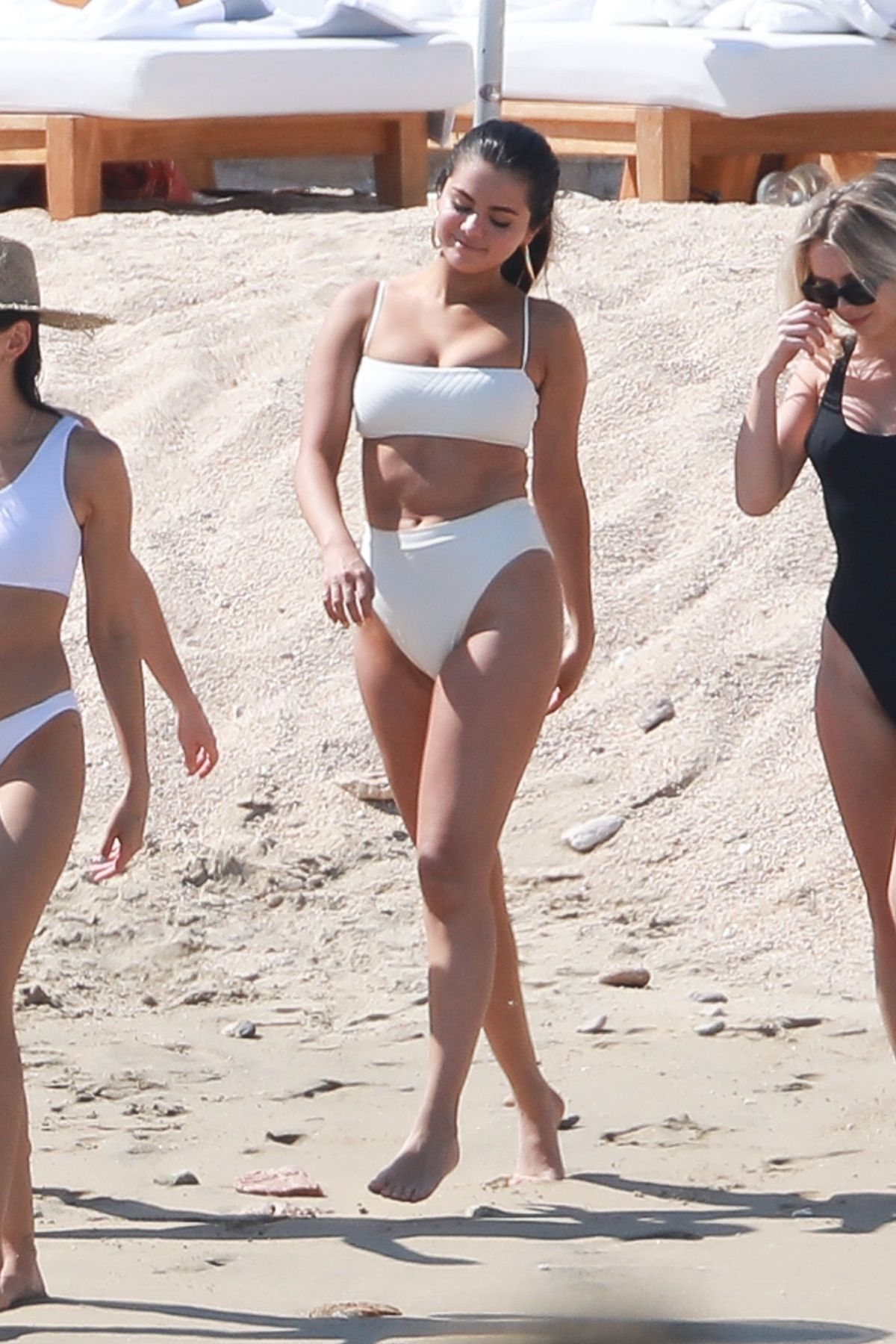 View Selena Bikini  Pics