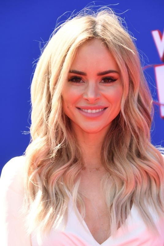AMANDA STANTON at Wonder Park Premiere in Los Angeles 03/10/2019