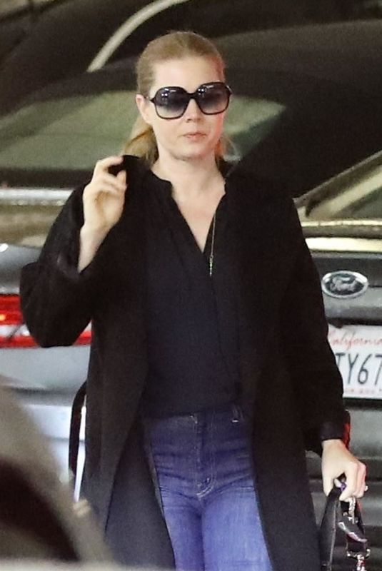 AMY ADAMS at Whole Foods in Beverly Hills 03/06/2019