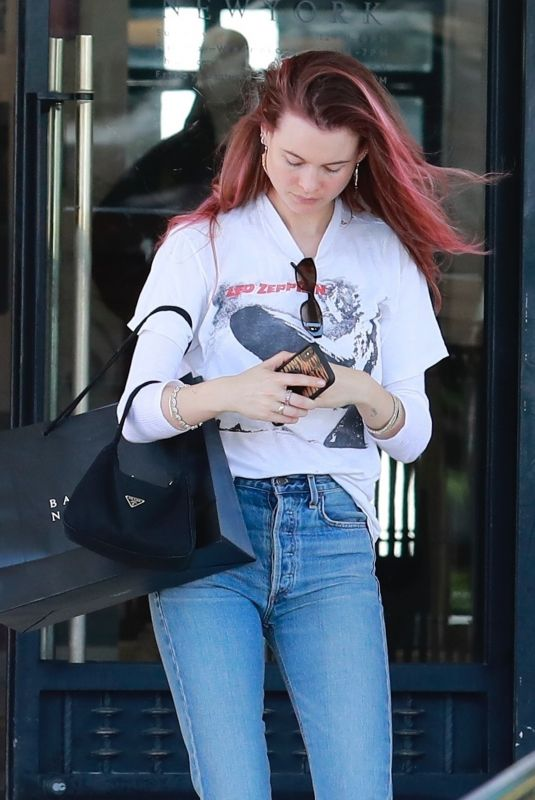 BEHATI PRINSLOO Shopping at Barneys New York in Beverly Hills 03/10/2019