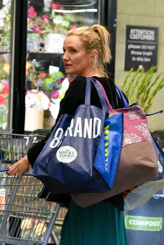 CAMERON DIAZ Shopping at Whole Foods in Beverly Hills 03/07/2019