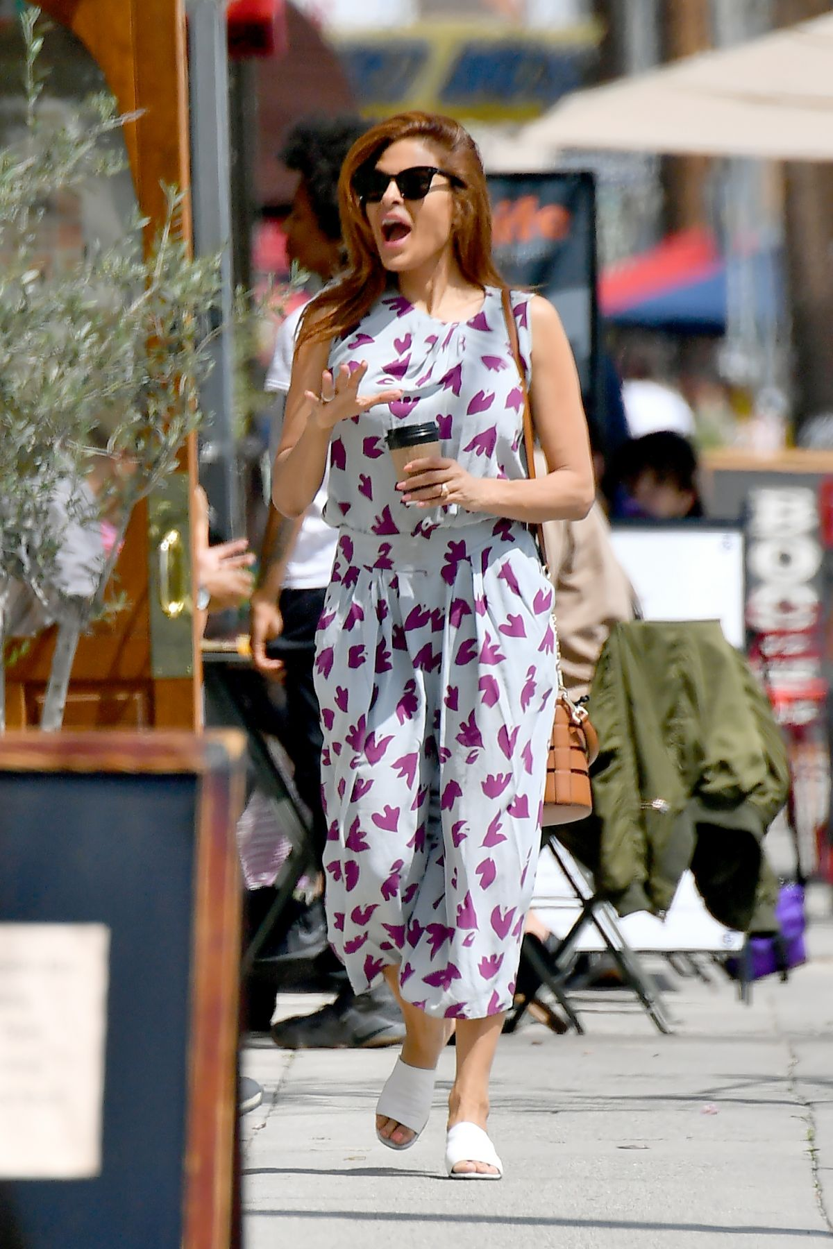 EVA MENDES Out Shoppin...