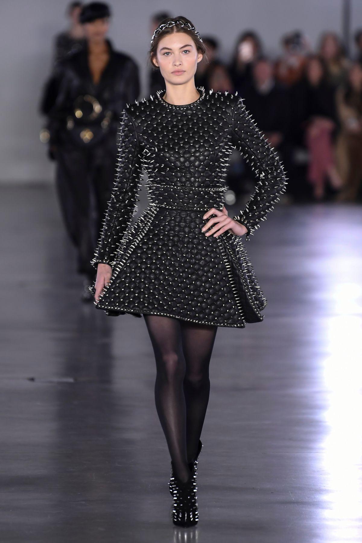 paris week elizabeth balmain grace runway hawtcelebs