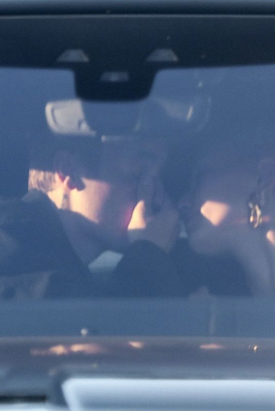 HAILEY and Justin BIEBER Kissing in the Car 03/28/2019