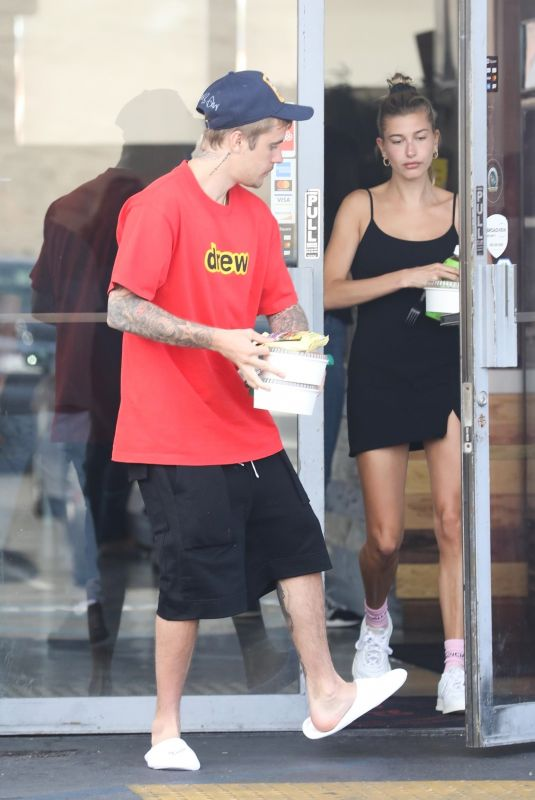 HAILEY and Justin BIEBER Out for Lunch in Costa Mesa 03/23/2019