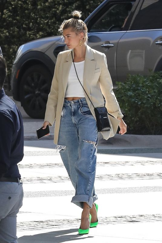 HAILEY BALDWIN Out and About in Beverly Hills 03/28/2019