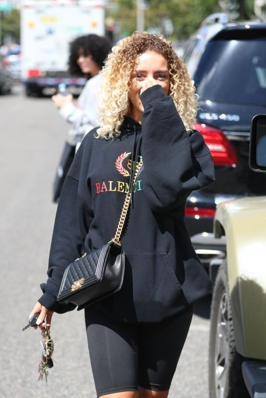 JENA FRUMES Out Shops in Beverly Hills 03/20/2019
