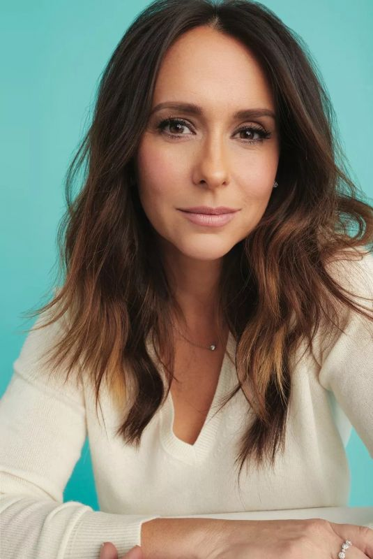 JENNIFER LOVE HEWITT in Working Mother Magazine, April/May 2019