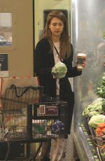 JESSICA ALBA Shopping a Whole Foods in Beverly Hills 03/09/2019